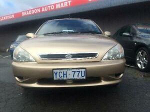 2001 Kia Rio LS Gold 5 Speed Manual Sedan Braddon North Canberra Preview