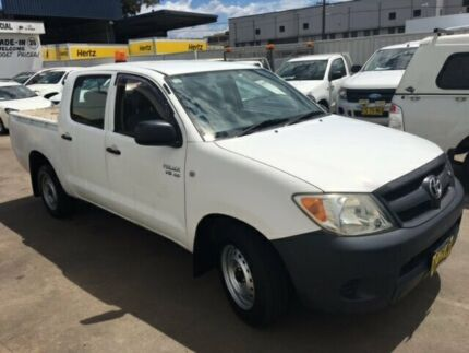 2006 Toyota Hilux GGN15R 06 Upgrade SR White 5 Speed Automatic Dual Cab Pick-up Lidcombe Auburn Area Preview