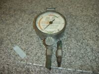 VINTAGE CHURCHILL VACUUM GAUGE IN FAIR CONDITION FOR HOW OLD IT IS