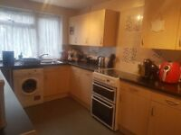 4 BED LARGE EALING COUNCIL HOME,NORTHHOLT FOR 4 ASAP