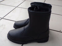 MOTORBIKE BOOTS - TUZO LEATHER WATERPROOF BOOTS IN BLACK SIZE 10 UK
