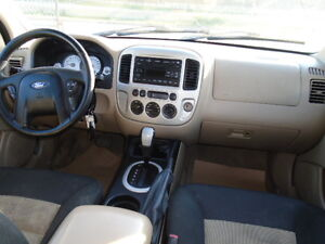 2007 Ford Escape SXT SPORT 4X4--3.0L V6 ---WITH REMOTE STARTER Edmonton Edmonton Area image 11