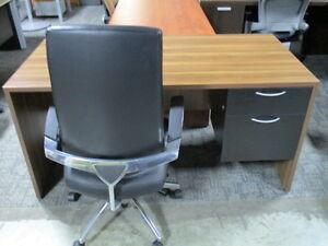 New! Bora Bora 30 X 60 Desks Kingston Kingston Area image 2