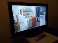 "New 32""TECHNIKA hd ready LCD TV + DVD player combi, freeview"