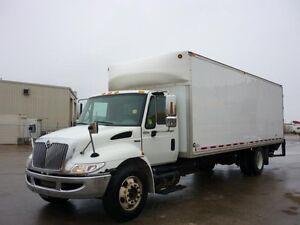 2011 International 4300 4x2, Used Dry Van