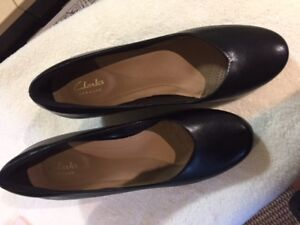 NEW SHOES - CLARKS - size 10