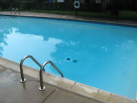 Northeast Townhouse! POOL !! Direct bus to UWO and Fanshawe.