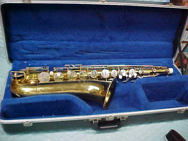 BUNDY Tenor Saxophone, Good Condition.