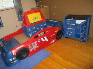 Step2 Childs Car Bed and dresser and toy bin -