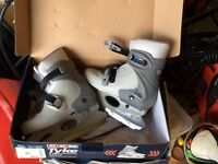 Skates, adjustable