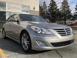 2013 Hyundai Genesis Sedan w/Technology Pkg / NAV / WINTER TIRES