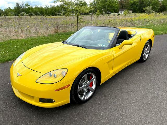 2008 Yellow Chevrolet Corvette  3LT | C6 Corvette Photo 2