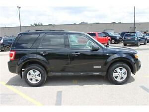 2008 Ford Escape *XLT* / V6 . 4WD . SUNROOF . POWER SEATS Kitchener / Waterloo Kitchener Area image 6
