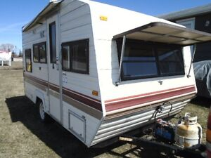 1990 15 FT CAMPER EXCELLENT VERY CLEAN  COND
