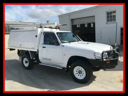 2013 Nissan Patrol Y61 GU 6 SII MY13 DX White 5 Speed Manual Cab Chassis Fyshwick South Canberra Preview