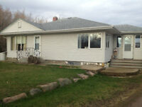 Country Living – Acreage home only minutes from Lloydminster
