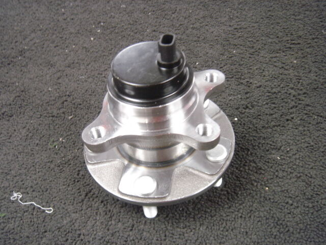 LEXUS GS300 GS430 GS350 IS220 IS250 IS350 FRONT WHEEL BEARING HUB DRIVER SIDE