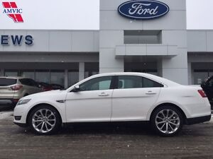 2016 Ford Taurus Limited AWD Leather, Nav, Only 16,225km!