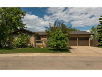 Open House July 4,1-3, 5 Bedrooms 8340 sq ft lot!! Thickwood