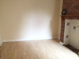 Spacious Studio with separate kitchen and garden! Electric bill included