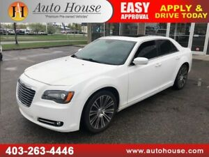 2013 CHRYSLER 300 LEATHER NAVI B.CAM P.ROOF BLUETOOTH