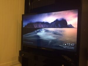 "Toshiba LCD HD TV 32"" with 2nd edition Chromecast"