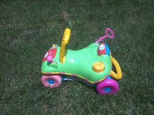 EXCELLENT BABY/TODDLER RIDE-ON, ROCKER, POPPER & PUSH TOYS Cambridge Kitchener Area image 2