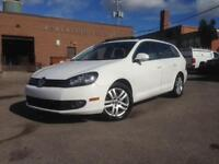 2010 Volkswagen Golf Wagon Highline 6 SPD LEATHER PANOROOF