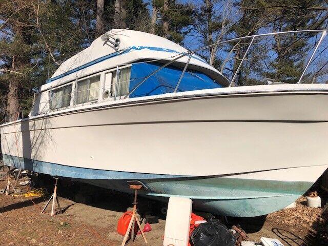 LF - 1978 Chris Craft Corinthian 33' Cabin Cruiser - Massachusetts