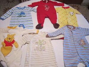 6 pyjamas pour garçon 6-9 mois de marques connues, $10.00