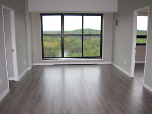 BEAUTIFUL (GIRLS ONLY) 1 BDRM/BATHROOM CONDO FOR LEASE