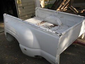 GMC 2000-2007  Pk-up 8 Ft  Dually Box 90% Rust Free