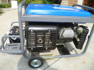 GENERATOR YAMAHA 6500 WATT (( LIKE NEW -VERY QUIET ))
