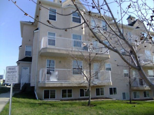 Nice Townhouse FOR RENT in Okotoks **15 min South of Calgary**