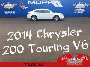 2014 Chrysler 200 TOURING Heated Seats, Bluetooth V6