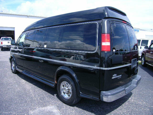 2009 chevy express 2500 majestic vista cruiser 9 passenger high top conversion. Black Bedroom Furniture Sets. Home Design Ideas