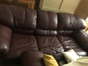 Burgandy Leather Love seat and Couch for sale.