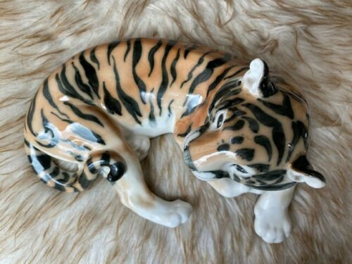 LARGE VINTAGE FINE PORCELAIN TIGER FIGURINE CATS RUSSIAN LOMONOSOV USSR