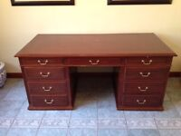 solid mahoney traditional knee hole desk,