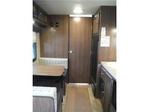 2016 Palomini 180FB Ultra Lite Travel Trailer - Only 3100LBS!! Stratford Kitchener Area image 10