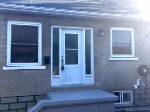 Inclusive! Bright&Open 3bd 1bth Oshawa-by the Lake-3mins to 401