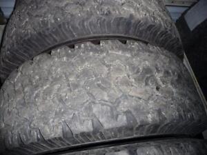 4 pneus d'hiver 285/65/18 BF Goodrich All Terrain