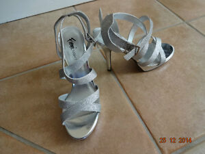 sparkly silver  sandals shoes size 6.5