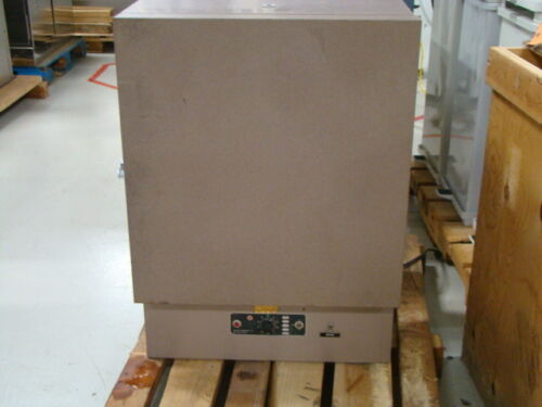 Lab Line 3505M Oven, 120V, 50-60 Cycles, 1300W