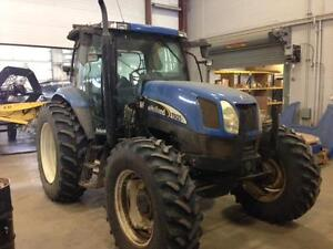 2005 NEW HOLLAND TS125A TRACTOR - 125HP