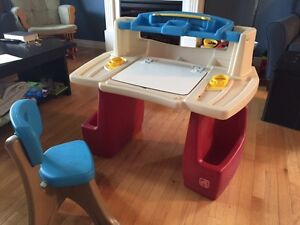 Step 2 Art Master Desk and Chair