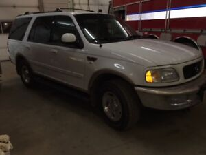 1997 Ford Expedition Lariat SUV, Crossover