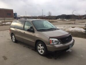 2006 Ford Freestar Sport (low kms)