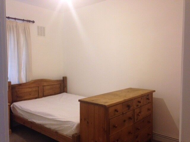 Amazing room available in Clapham South from the 28/11 for £165pw with all the bills included+WiFi