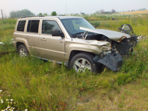 2010 Jeep Patriot 4 x 4 (easily repairable)